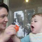 Pareja cría a bebé con género neutro para que decida más adelante cuál es su género