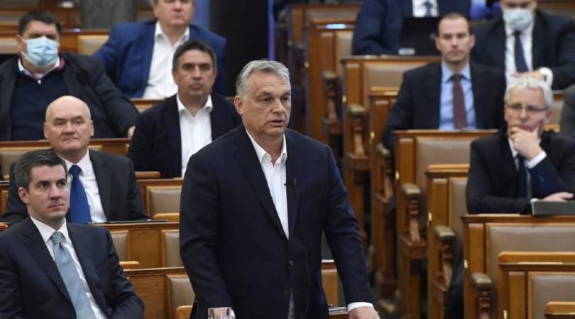 Orban aprovecha la pandemia para recortar los derechos de las personas trans en Hungría