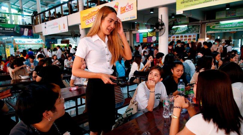 El alumnado trans va ganando la batalla de los uniformes en Tailandia
