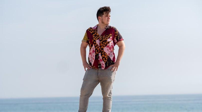 Pol Galofre, esta semana, en la playa de Badalona (Xavi Jurio)