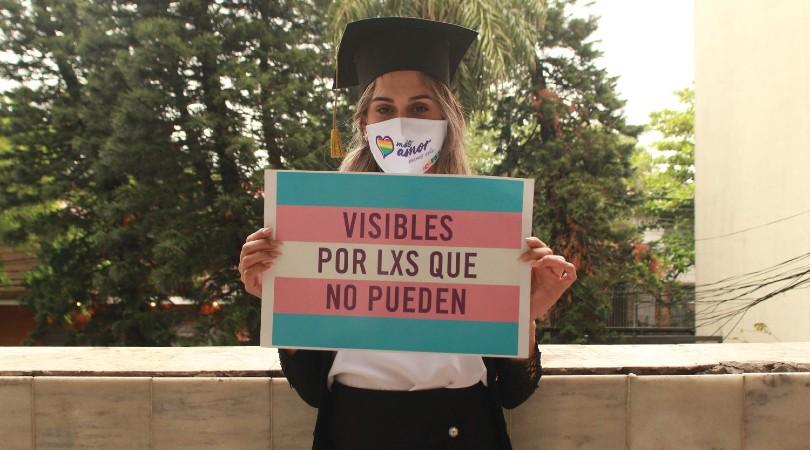 Kimberly Ayala, el día del reconocimiento como abogada en Paraguay