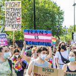 Así regulan ya varias CCAA la autodeterminación de la identidad sexual que propondría la Ley trans estatal