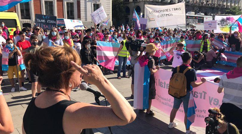 Colectivos españoles de personas trans y sus familias inician una huelga de hambre