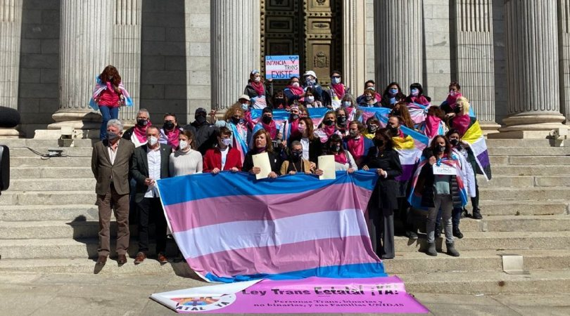 La lucha por la Ley Trans: PSOE y Podemos dejan de lado al colectivo
