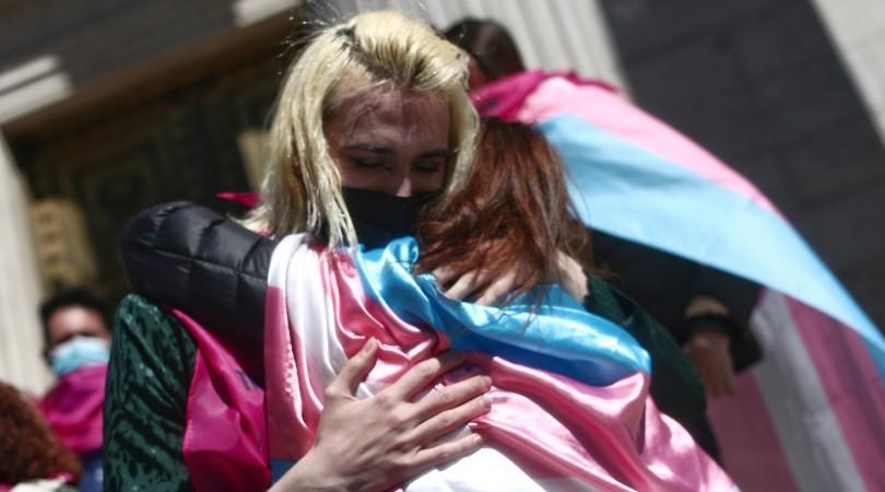 Activistas y organizaciones LGTBIQA+ de todo el mundo reclaman al Gobierno de España una ley trans que reconozca la autodeterminación